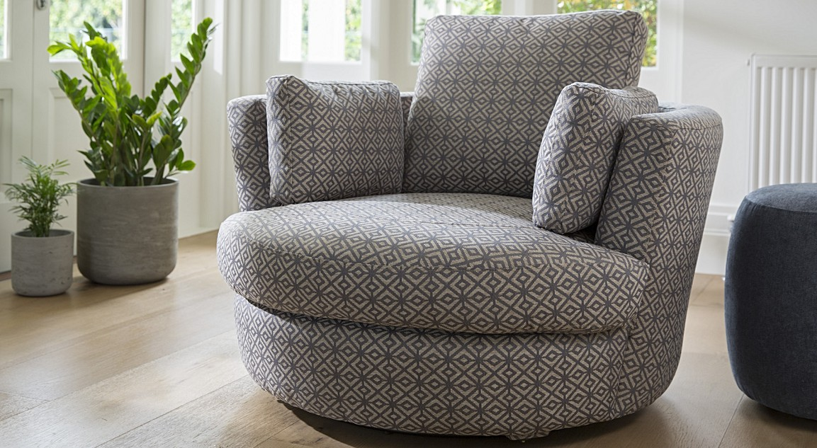 Exceptionnel Snuggle Bespoke Petite Chair